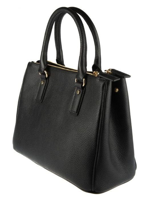 783586fa6bf0 Pamela Black Leather Handbag